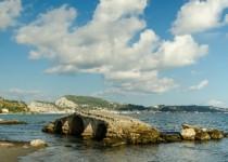 Развалины старого моста