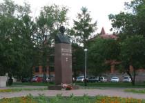 Памятник Д. М. Карбышеву в Омске