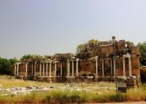 Северные ворота античного города