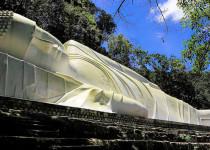 Лежащий Будда на горе Та Ку