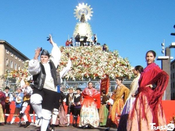 Картинки по запросу Фестиваль Пилар (Las Fiestas del Pilar) картинки