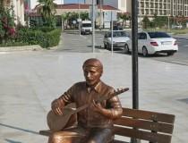 Фигура турецкого певца в Кумкёй