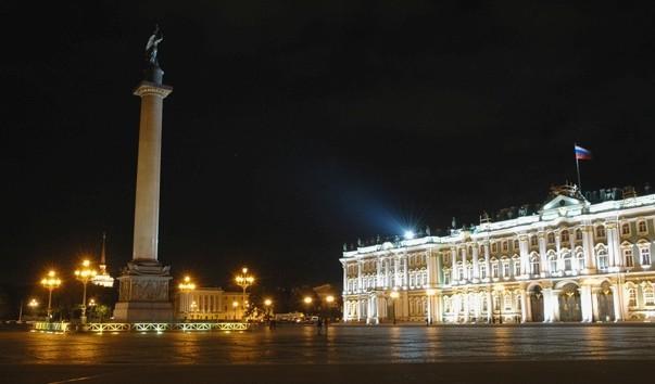 Дворцовая площадь: описание, фото, контакты, гиды, экскурсии