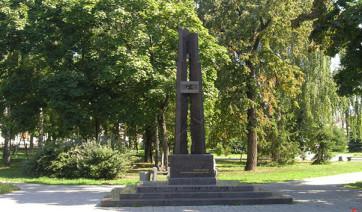 Мемориальный одиночный комплекс из двух видов гранитов Надым Ваза. Токовский гранит Санкт-Петербург