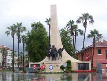 Памятник Ататюрку в Аланье
