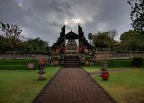 Королевский храм Taман Аюн