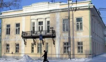 Эконом памятник с резным крестиком в углу Красноармейск, Саратовская обл. Эконом памятник Арка с резным профилем Питкяранта