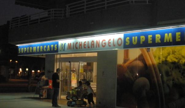 est-li-v-salou-supermarket