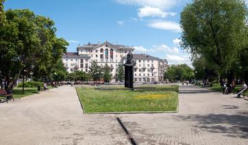 Эконом памятник с резным крестиком в углу Кимовск памятник подешевле Кондрово