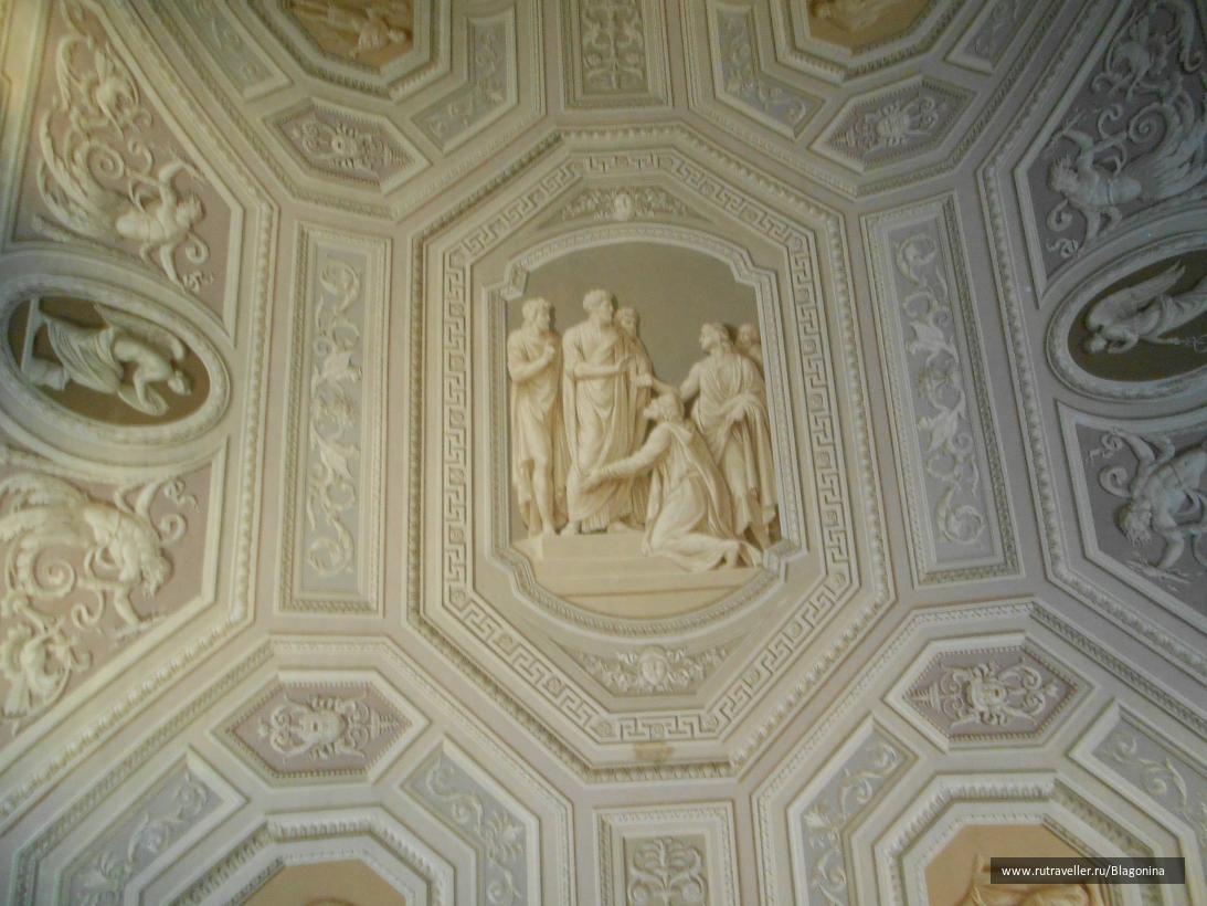 Потолок галереи