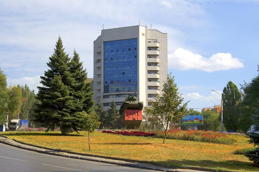 Мемориальный комплекс с арками и колонной Десногорск Прямоугольный вертикальный памятник Верхняя Салда