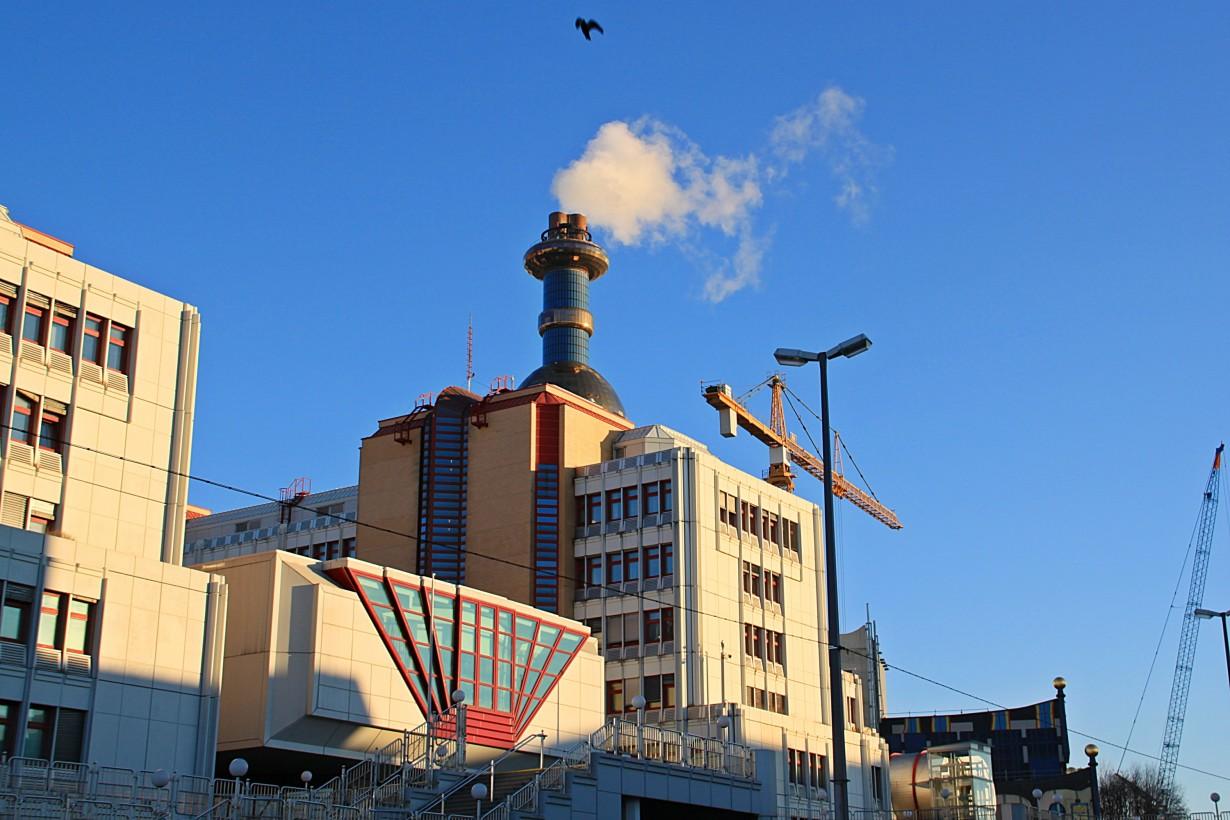Мусоросжигательный завод (архитектор - Хундертвассер) - фрагмент 1
