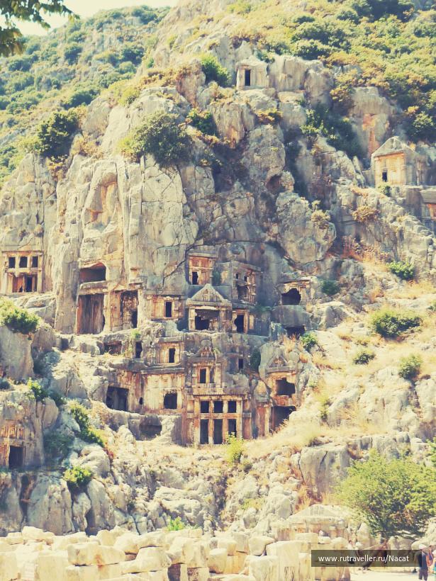 гробницы времен древней Ликии.