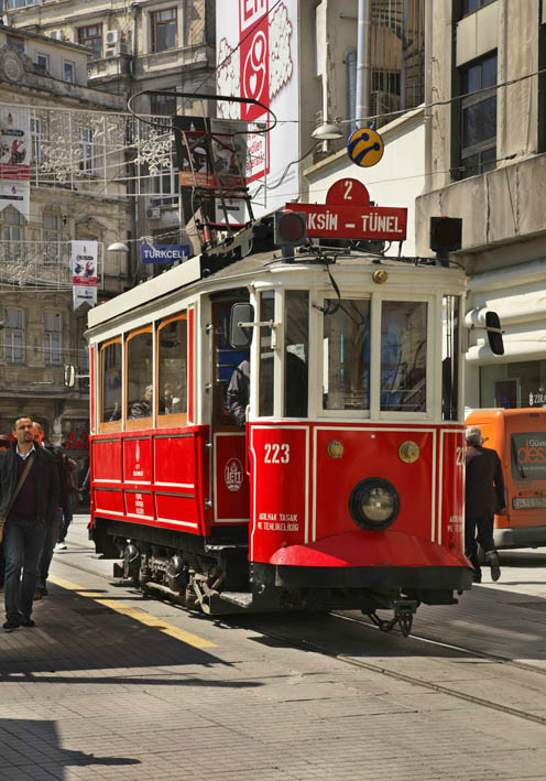 Стамбул. Улица Истикляль. Турция
