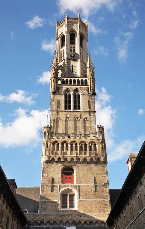0149-14 Брюгге. Беффруа - башня городского совета. Бельгия