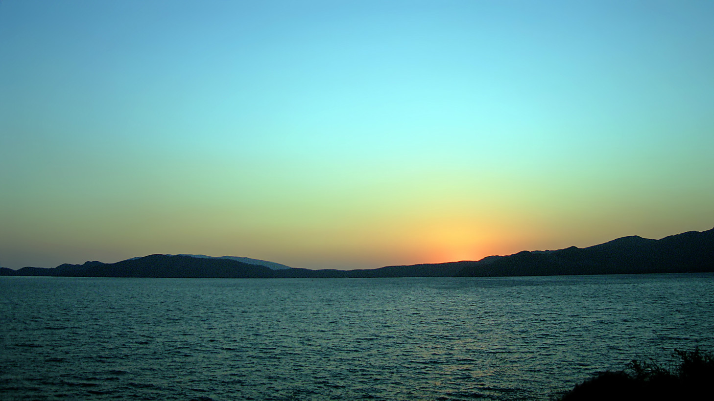 Aegean_sunset_100805