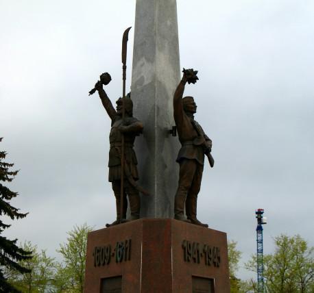 Резные памятники Красногорск, Сахалинская обл. Шар. Габбро-диабаз Мякинино