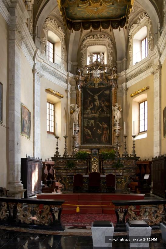 Коллегиальная церковь святых Петра и Стефана