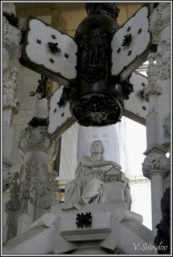 Санто Доминго. Мавзолей-музей «Маяк Колумба»