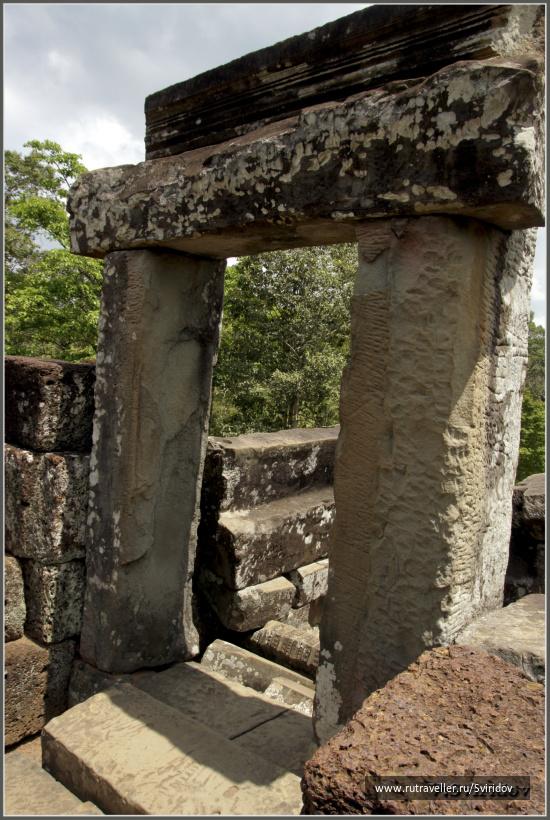 Храм Пимеанакас (Phimeanakas).