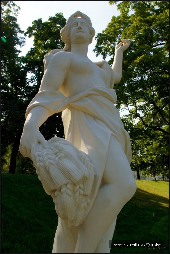 Петергоф. Скульптура каскада