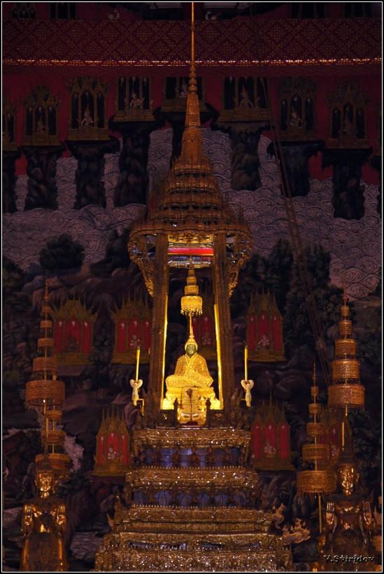 Ват Пхра Кео или Храм Изумрудного Будды. Изумрудный будда.