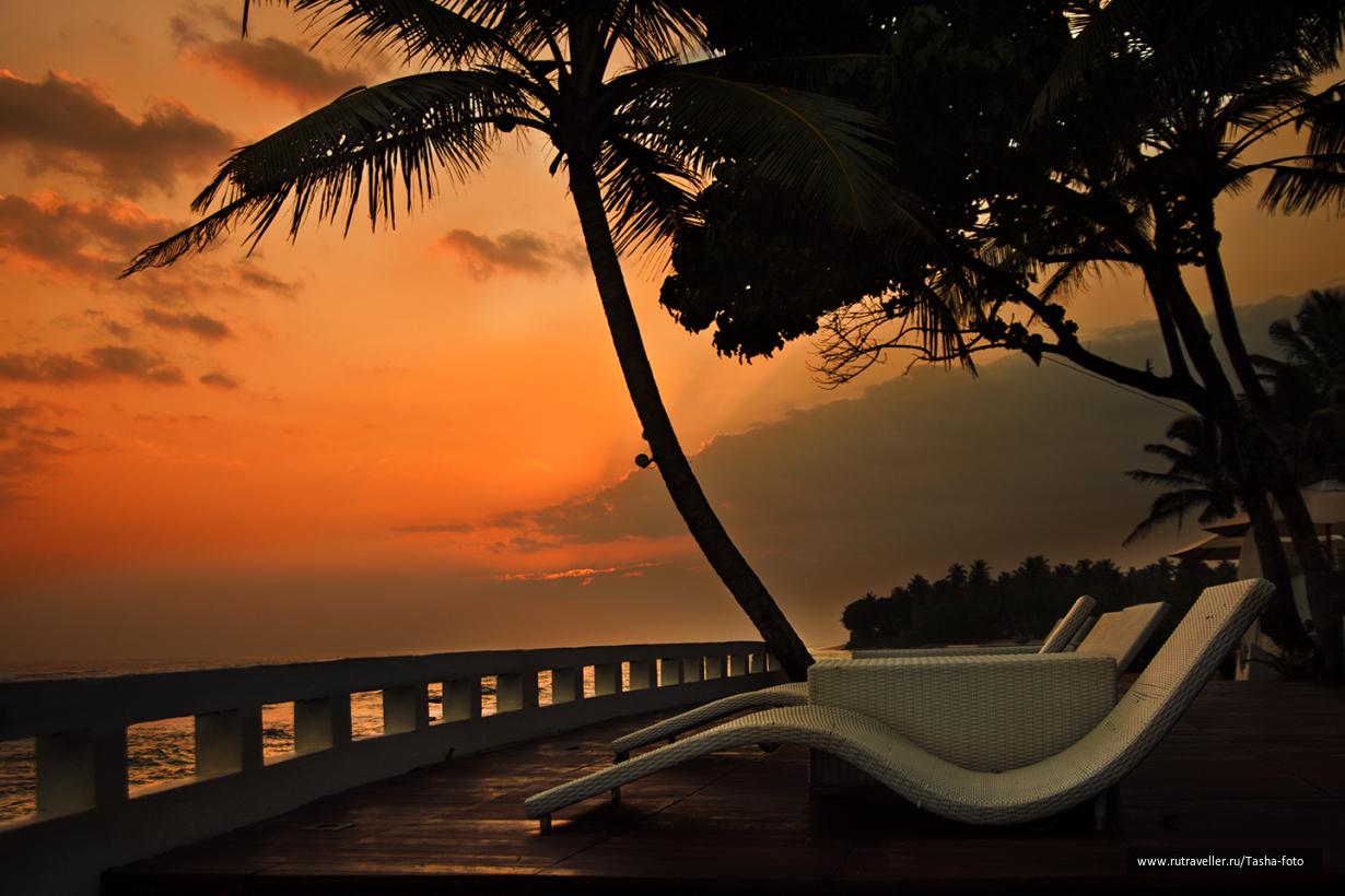 Закат в  Aqua Beach Club Hotel